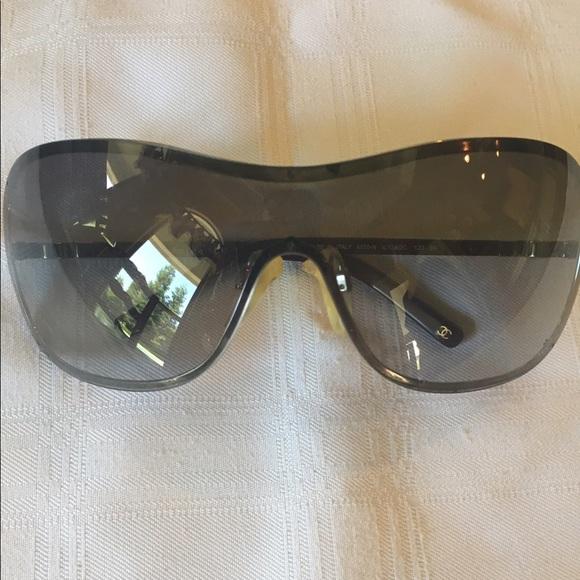 0e8c0bcd055 CHANEL Accessories - Chanel Overlay Mask Pearl Sunglasses