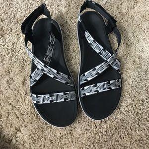 Teva Shoes - Teva shoes size 7.5