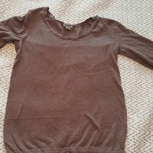 Light sweater half length sleeve