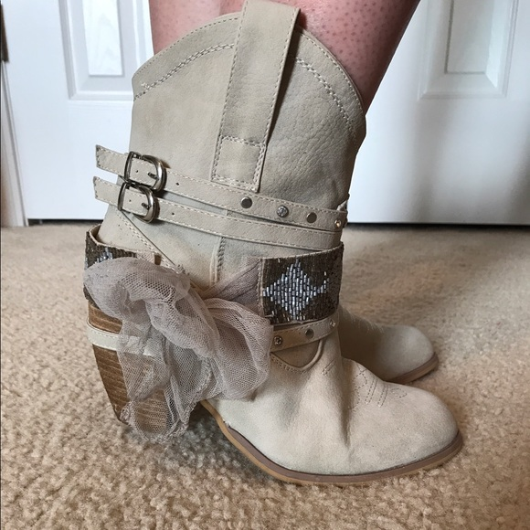 74 off not rated shoes flash sale not rated cream ankle boots from brittany 39 s closet on. Black Bedroom Furniture Sets. Home Design Ideas