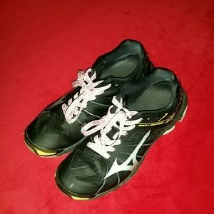 Mizuno Shoes - Women's volleyball shoes