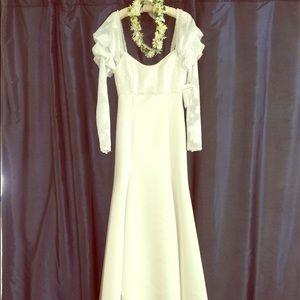 Princess Kaiulani Bridal Hawaii Dresses