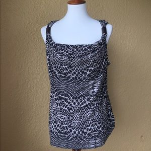 Kenneth Cole Tops - Kenneth Cole faux snakeskin blouse black &white
