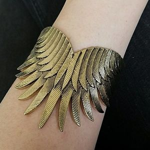 Jewelmint Jewelry - Jewelmint Feather Cuff Bracelet