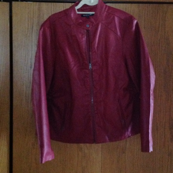 0623a2e69 Baccini leather look jacket red XL zip front l