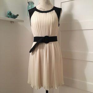 Alice Moon Dresses & Skirts - Alice Moon Pleated Dress