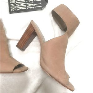 Lord & Taylor Shoes - Lord Taylor CHRISTAL 424 Fifth Women's Taupe Shoes