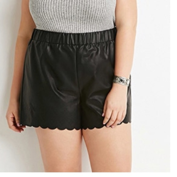 409a2c3ac38 ✨NWT✨ Forever21 plus size faux leather shorts