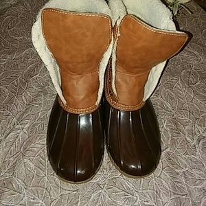 Adriana New York Shoes - Sz 10 ADRIANA rain boots trimmed w/fur lining