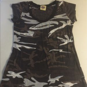 Camouflage Tee sz XL