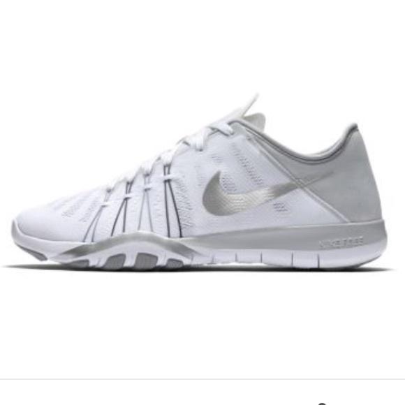 super popular 51ba6 84630 Women s White Nike Free Trainer 6.0. M 592b46fd4127d08098000eaf
