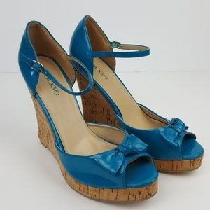 🌺Turquoise and Cork Wedges by Rouge Size 10