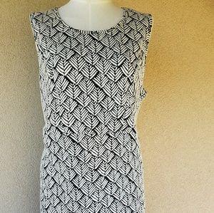 Dresses & Skirts - Como Black Tulip Hem Dress 2X
