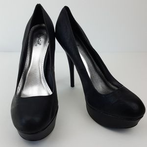 Qupid Shoes - Black Heels by Qupid Size 9