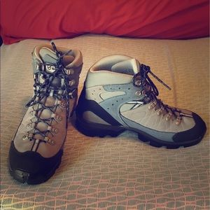 Scarpa Shoes - Brand New Scarpa Hiking boots size 10 women's