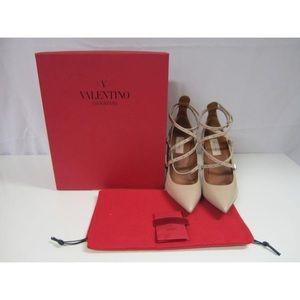 $600 ️️ Valentino Eyelet Pumps