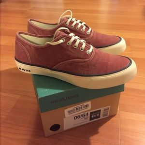 SeaVees Shoes - SeaVees 06/64 Legend CVO Shoes.  Women's Size 10