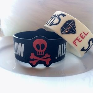 Hot Topic Jewelry - Sleeping with sirens rubber bracelet