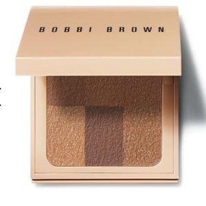 Bobbi Brown Other - Bobbi Brown Nude Finish Illuminating Powder