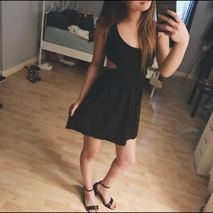 BRANDY MELVILLE - Black Cut Out Dress