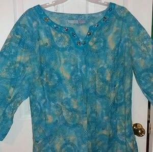Cool comfy tunic with jeweled neckline. Size 3X