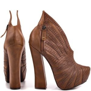 Penny Sue Shoes - Penny Sue Cha Cha in Tan Heels that WOW!!!
