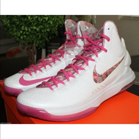 Nike - Nike KD V Premium Aunt Pearl Edition Think Pink ...