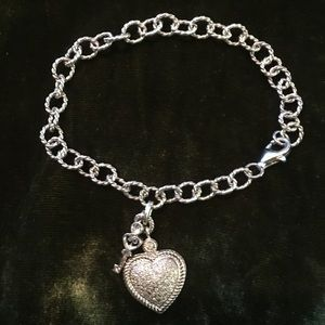 Jewelry - 💎STERLING💎PAV'E HEART BRACELET