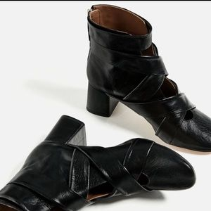 Zara Shoes - Zara leather crossover strapped boots