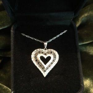 Jewelry - 💎BLACK AND WHITE DIAMOND💎PENDANT