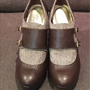 Brown ankle bootie