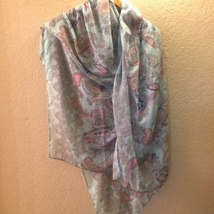 Light Paisley Style Scarf