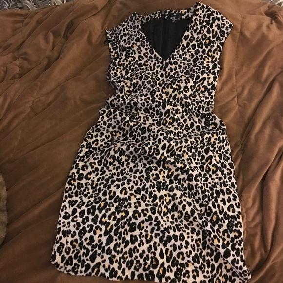 35546babbba2 H & M Dresses & Skirts - H & M Leopard print dress