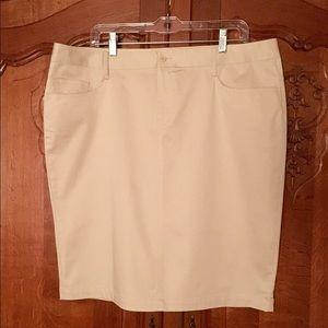 Norma Kamali Dresses & Skirts - Norma Kamali skirt 🌼Five pocket size 16 Khaki Tan
