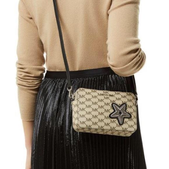 26be41400dea Michael Kors Bags | Star Cross Body Bag | Poshmark