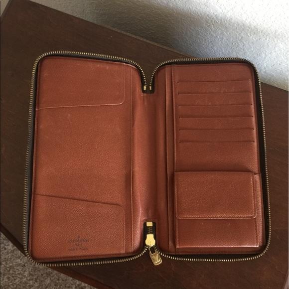 1be693cfc3c Louis Vuitton Handbags - Louis Vuitton passport Wallet