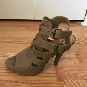 Pink and Pepper Strappy Taupe Heels