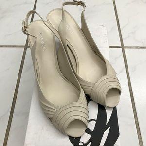 Nine West Falcoin heels, new.