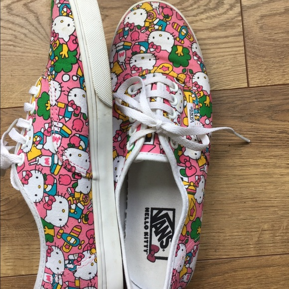 Limited Edition Hello Kitty Classic Vans Sneakers.  M 592c41ecf0137d965f0078bf 24855ef19