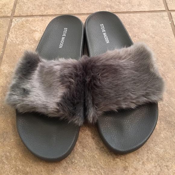 7ab22bb4d Steve Madden Softey fur slide sandals grey sz 8. M_592c460cc6c795abf802a6b4