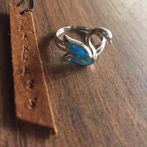 Jewelry - Opal swan Sterling silver ring size 9