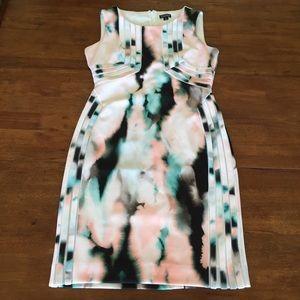 T Tahari Dresses & Skirts - T Tahari Sleeveless Sheath Dress