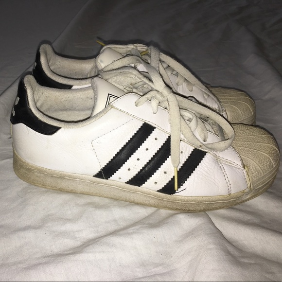 adidas superstar look alike