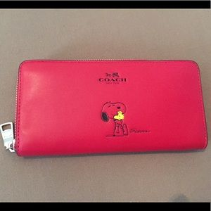 NEW Coach Snoopy Accordion Zip Red Wallet