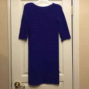 Tees by Tina Dresses & Skirts - Form fitting body-con 3/4 sleeve dress
