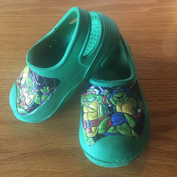 off Other TMNT toddler boy size 7 8 slip ons or