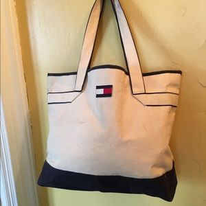 Tommy Hilfiger Extra Large Tote