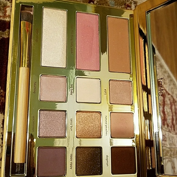 22 off tarte other tarte swamp queen eye shadow palette from sahar 39 s closet on poshmark. Black Bedroom Furniture Sets. Home Design Ideas