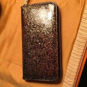 Deux Lux Handbags - 😊WEEKEND SALE😊 Deux Lux zip wallet.  NWOT