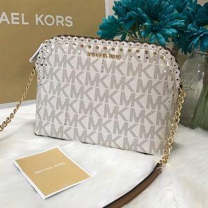 4167deac086b MICHAEL Michael Kors Bags - 🆕 Michael Kors Crossbody Cindy Violet Vanilla